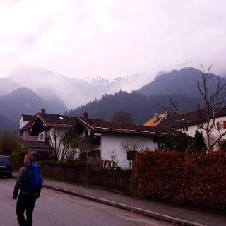 Start at Bayerisch Gmain Kurort, looking towards the peaks to hike