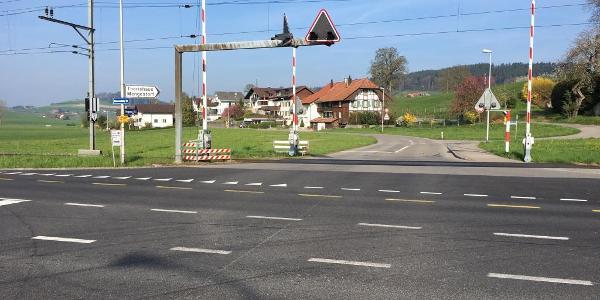 Hauptstrassenüberquerung bei Gasel