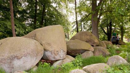 Direkt am Golfclub liegt die größte und besterhaltene Grabanlage des Giersfeldes