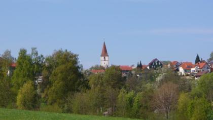 Holzgerlingen mit Kirchturm der Mauritiuskirche