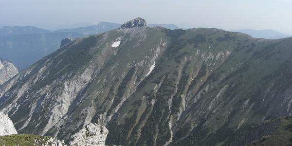 Zur Knoppenwiesen, Blick auf die Mitterbergschneid und zur Kleinen Burgwand (20.06.2012)