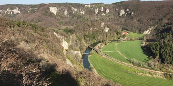 Blick vom Rauhen Stein auf Burg Wildenstein