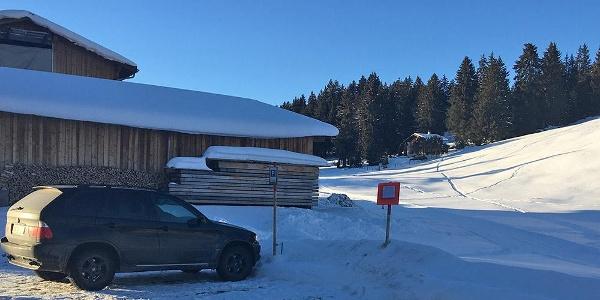 Parkplatz beim Loipeneinstieg