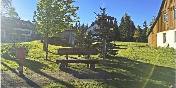 Besenfeld Wegekreuz aus Holz