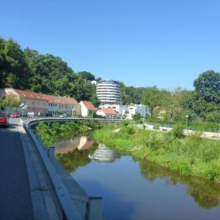 Am Flüßchen Krems gehts Stadtauswärts nach Norden