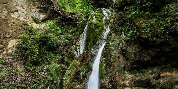 A vízesés az Anna-barlang előtti teraszról