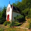 An der Hochkreuzkapelle bei Karden