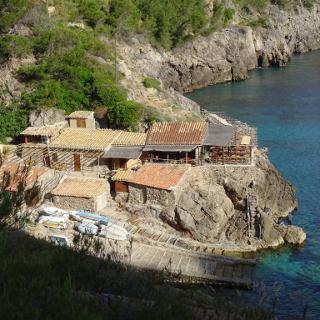 Fischerlokal in der Bucht von Deìa