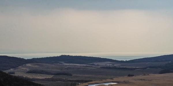 A Balaton nyugati medencéje éppen csak kibukkan