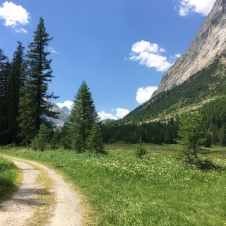 When you enter the valley you will walk through the peaceful valley on quiet country roads.