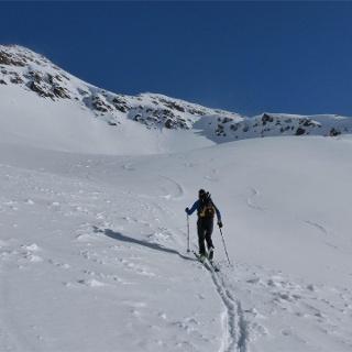 Tour di skialpinismo alla cima di Tella