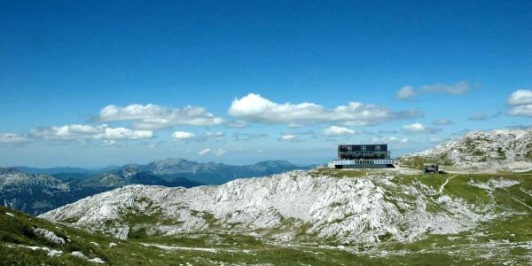 Schiestlhaus des ÖTK am Plateau des Hochschwab