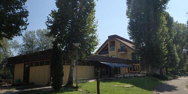 A szálló épülete