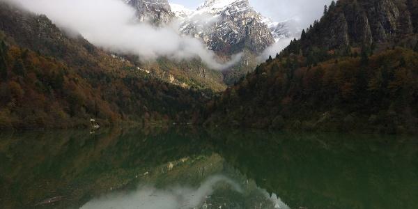 Il Lago della Stua in versione autunnale