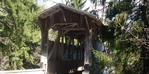 Maillard Brücke oberhalb von Donat