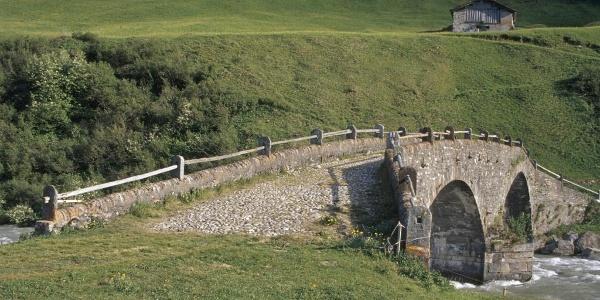 """Il primo ponte sull'Hinterrhein: il """"vecch"""