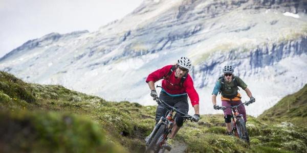 Alpwiesendurchquerung vor Alp Sogn Martin