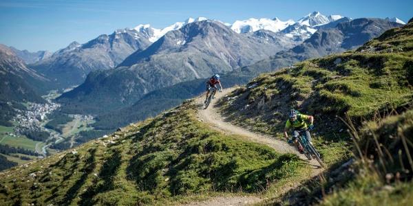 Trail between Marguns and Alp Muntatsch