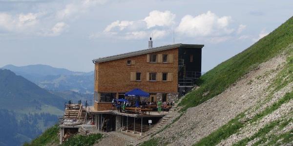An den Hang gebaut- das Waltenberger Haus