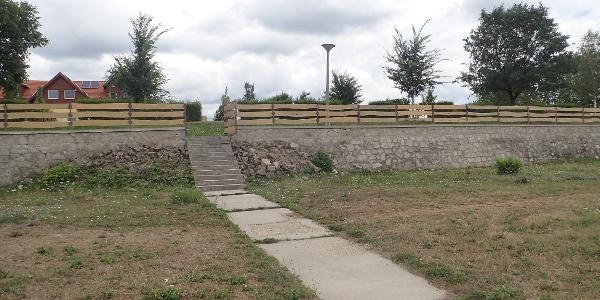 A kemping Duna felőli lépcsős bejárata