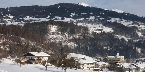 """Blick auf die Talabfahrt vom Skigebiet """"Golm"""""""