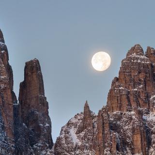 Luna sul Campanil Bas