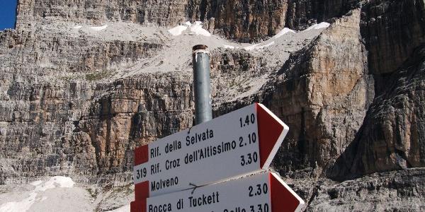 Signs near refugee Pedrotti