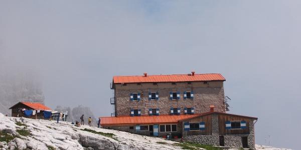 Il rifugio Pedrotti