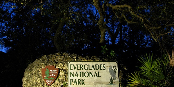 Eingangsstein des Everglades-Nationalparks
