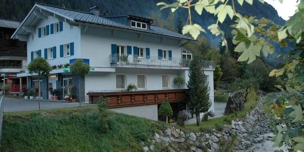 Unser_Haus_direkt_an_der_romantischen_Ill