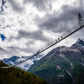 Le plus long pont suspendu au monde au-dessus de Randa