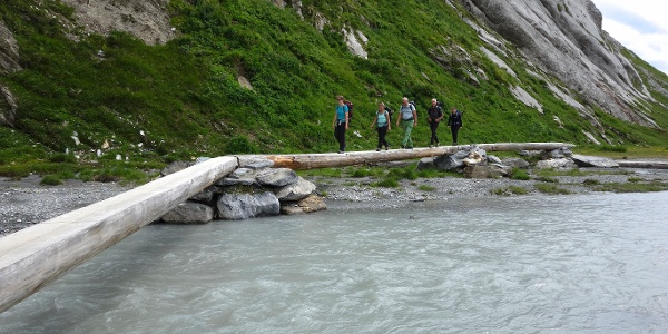 Brücke über den Fluss Flem.
