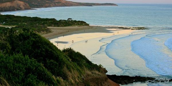 Blick auf die Küstenlinie von Torquai