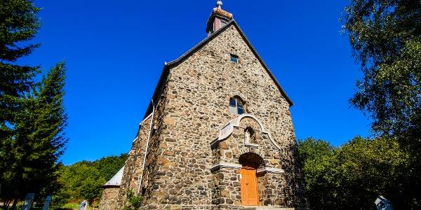 Vchod kostola troch dedín (Kostol Sv. Štefana)