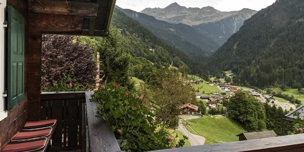 Balkon mit Blick in Richtung Lobspitze
