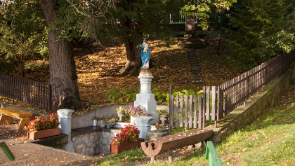 Mária szobor