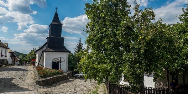 A hollókői templom