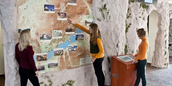 Tíz teremben várnak a különleges élmények (Tapolcai Tavasbarlang)