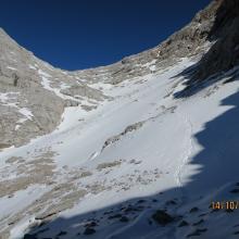 Abstieg über die Luegscharte, Orientierung durch Schnee schwierig.