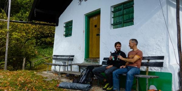 Selbstverpflegung auf der Terrasse der Bichler-Hütte