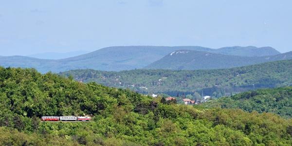 Train at the Kis-Hárs-hegy lookout point from Tündér-szikla
