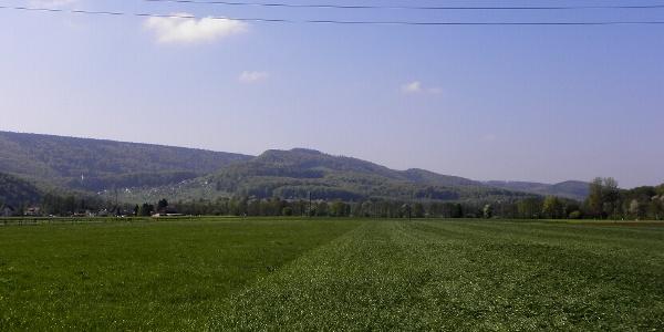 Ausblick auf den Nägeliberg, Blauenberg und Glaserberg