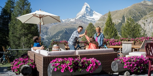 A stop at one of the mountain restaurants along the way