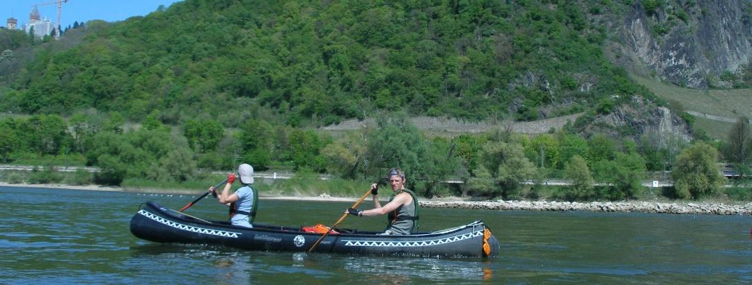 Kanutour am Rhein