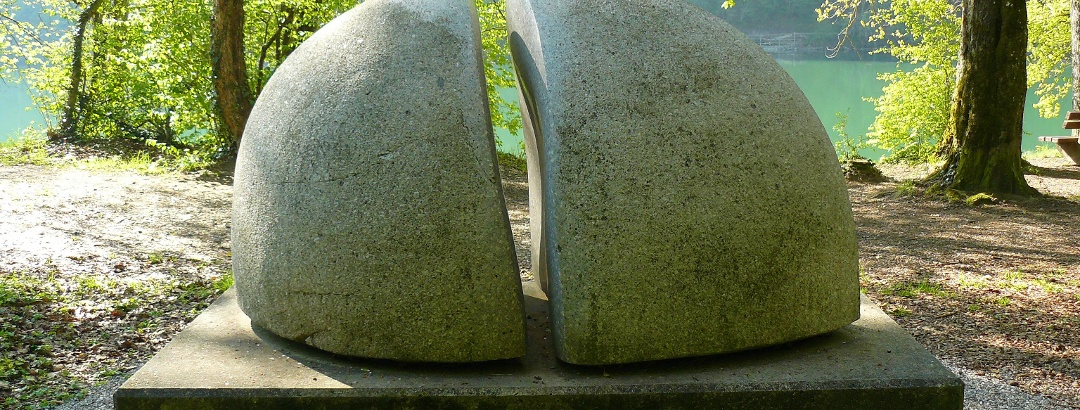 """Dipylon"" -Schwarzwälder Granit"