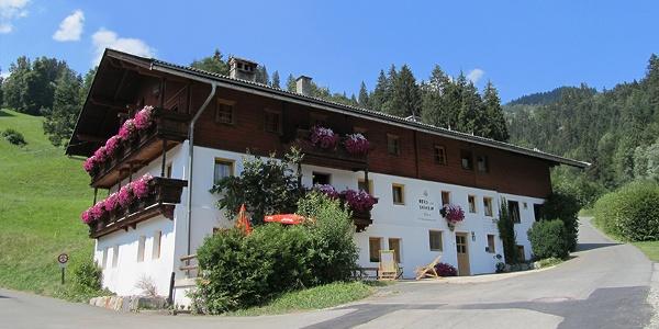 Berg- u. Skiheim Brixen i.Th., 855m