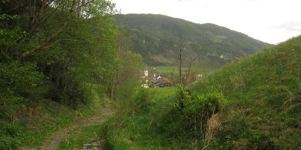 """Oberwölz von Norden (durch den alten (""""Hohlweg"""")"""