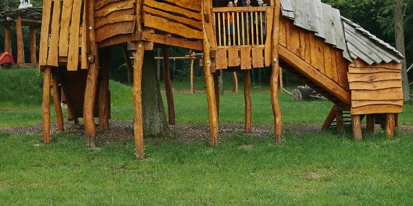 Baumhaus Spielplatz am WEZ