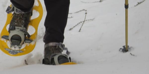 schweres Stapfen im Schnee