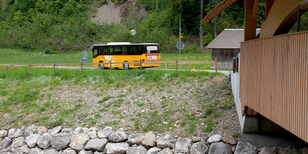 Postauto im Kemmeriboden-Bad.